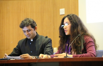 'Celebration of Hindi Divas' - Embassy of India, Lisbon in associated with Indian Study Centre celebrated the Hindi Divas on 24th October, 2016 at the University of Lisbon in a befitting manner.  Approximately 80 persons including foreign students studying Hindi at Indian Study Centre, Embassy officials and staff members attended the function with great enthusiasm.  Ambassador of India addressed the gathering in Hindi and encouraged all participants to use Hindi in their daily life as well as in official work. Small cultural progamme in Hindi including reciting poems & Sanskrit shlokas, singing hindi songs, etc was also organized.