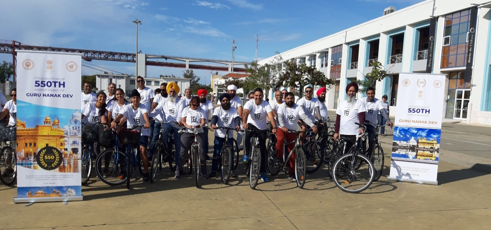 Indian Embassy in association with Gurudwara Sikh Sangat Sabha organized Cycle rally commemorating 550th birth Anniversary of Guru Nanak (20.10.2019)