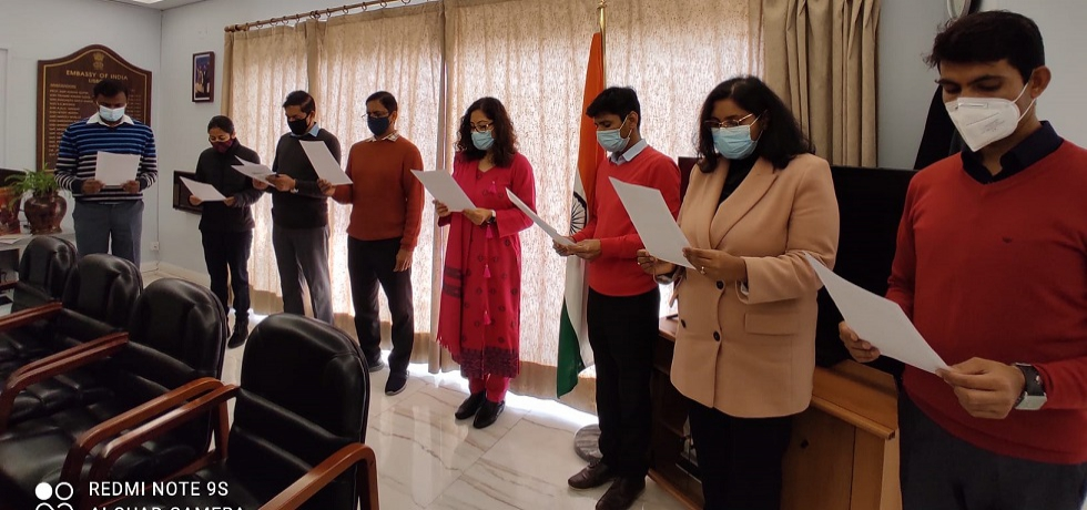Ambassador lead the Mission officials in reading of the Preamble on the occasion of the 71st Constitution Day of India on 26th November 2020.